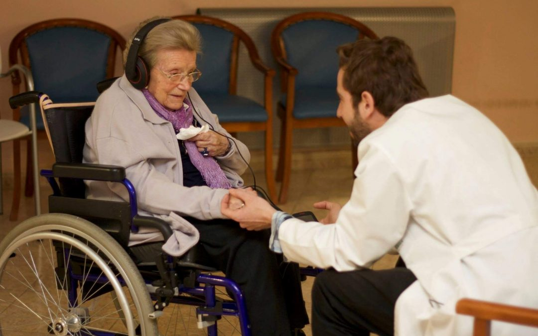 Musicoterapia para ancianos con demencia – ¿Es beneficiosa?